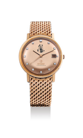 Universal. A Very Rare Pink Gold Centre Seconds Bracelet Watch with Enamel Dial