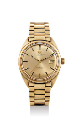 IWC. A Yellow Gold Centre Seconds Bracelet Watch with Date, With extract