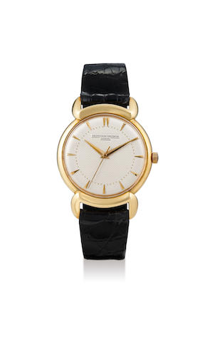 Vacheron Constantin. A Rare Yellow Gold Centre Seconds Wristwatch with Fancy Lugs and Textured Dial, circa 1958