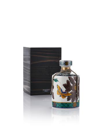 響 Hibiki-Kutani-35 year old-九谷燒 色繪丹蝶図筒形瓶